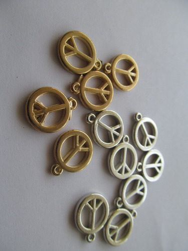 100 Simbolo De Paz Dijes Dorado Y /o Plateado Para Bijou