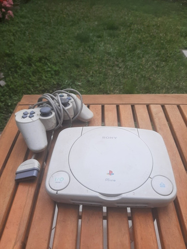Playstation 1 Ps1. A Reparar O Para Repuestos Conaccesorios.