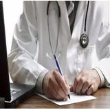 Medico Realiza Recetas De Medicamentos Y Ordenes De Estudios