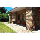 Venta Preciosa Casa A Dos De La Playa En Costa Azul!!
