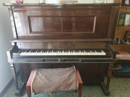 Piano Vertical Antiguo De Fabricación Alemana - Americana
