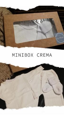 Minibox Regalo Ajuar Ropita Media Bebe Nacimiento Babyshower