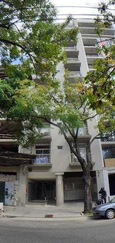 Departamento De 2 Ambientes Con Dos Balcones - Parrilla