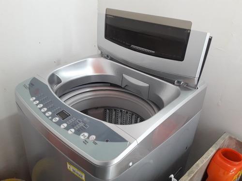 Lavadora  De  10  Kilos. 2    4    0