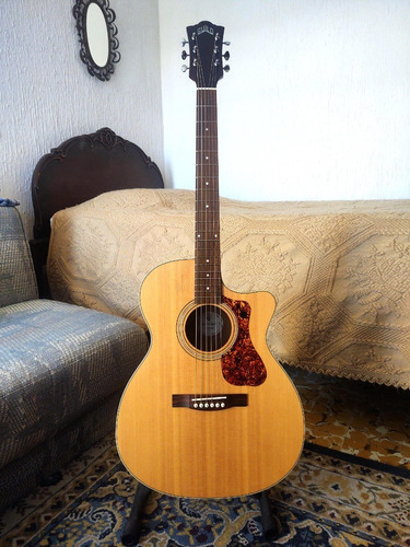 Guitarra Electroacústica Guild Westerly Collection Om-240ce