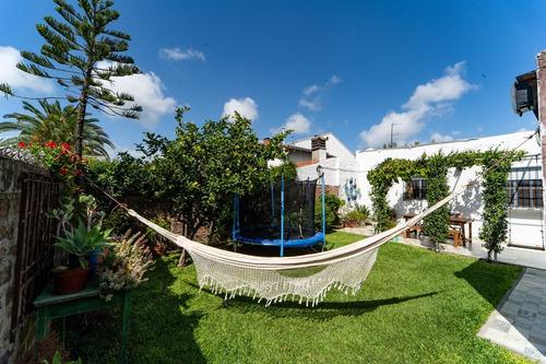 Casa Quilmes Este 4 Amb Hermoso Jardín Impecable Cómoda Luz
