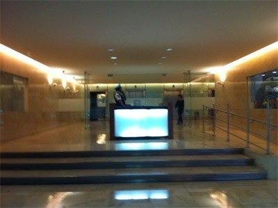 * 384 m2* ubicada en 1er. piso* acondicionada* 2 estacionamientosel edificio cuenta con:* baños en entrepiso* elevadores inteligentes* seguridad 24x7* estacionamiento público* valet parkin