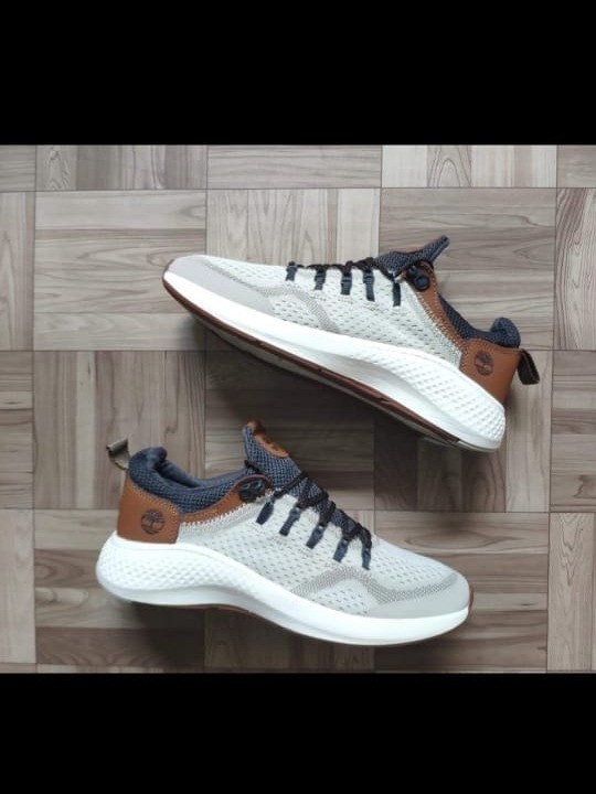 mizuno mens running shoes size 9 yeezy disco