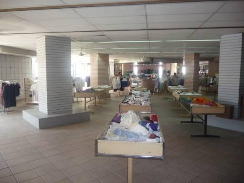 * edificio comercial en el centro planta baja, (disponible 3 plantas)