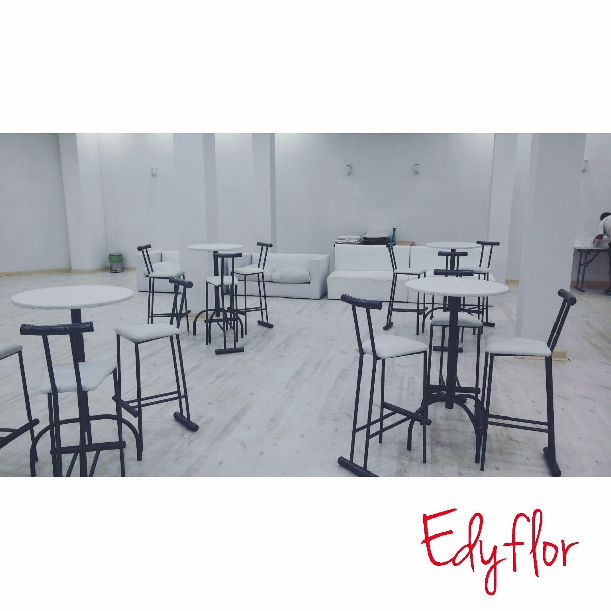 Edyflor alquiler de living mesas altas y gazebos for Mesas de living