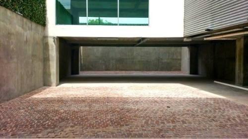 ¡¡ excelente oficina de 1300m2 a unos pasos de los arcos de queretaro !!