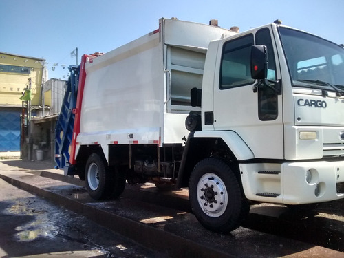 * ford 1317e locação compactador de lixo planalto *