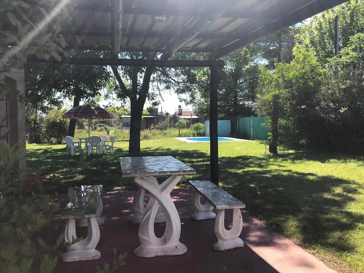 . hermosa casa con piscina. a.a