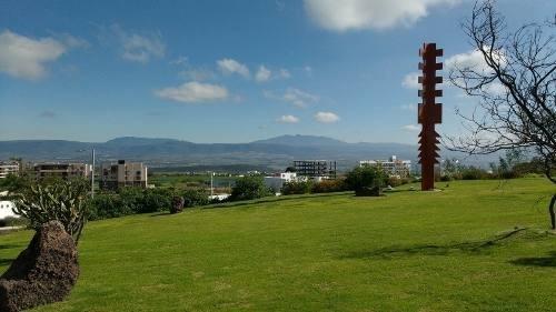 ¡¡ hermosa residencia con vista a campo de golf en zibata !!