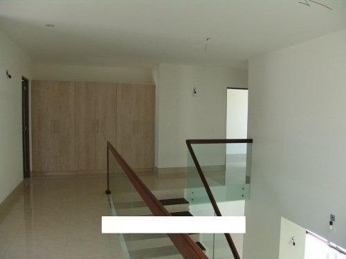 ¡¡ hermosa residencia en venta ubicada en arco de piedra jurica !!