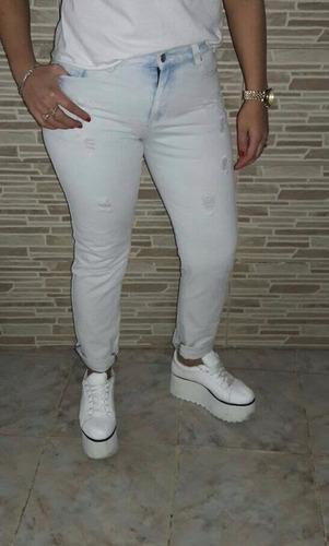 * jeans con roturas !! talla 30! un rato uso