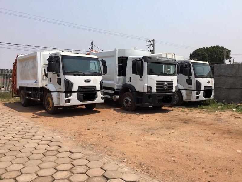* locação caminhão  compactador lixo vw 17190 - cargo 1723 *