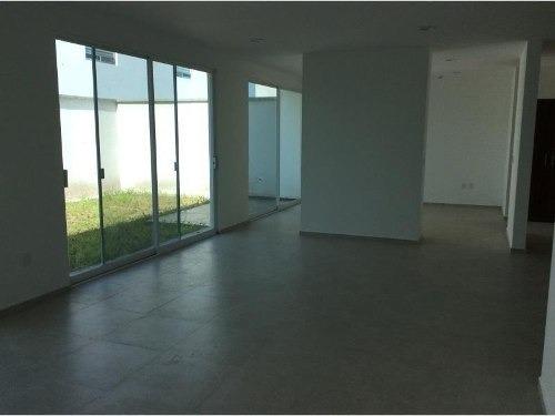 ¡¡ preciosa residencia en venta ubicada en fraccionamiento cañadas del lago !!