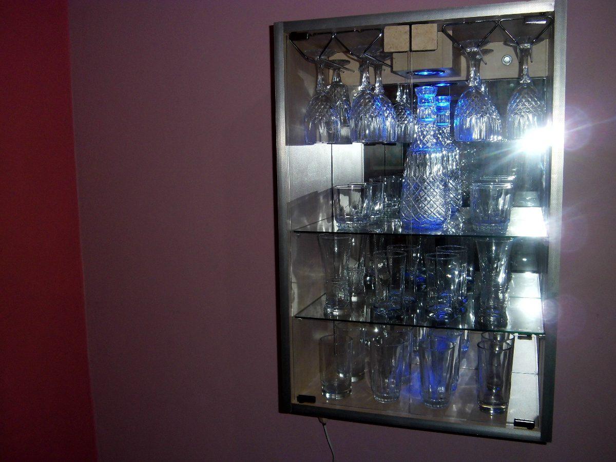 Remate ! Mueble Vitrina Bar De Melamina  S 219,00 en Mercado