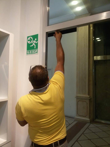 / ,reparación,manten,puertas de cristal templado,frenos,/
