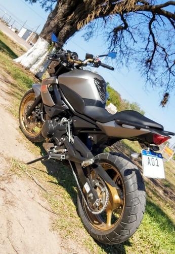 # vendida #    moto yamaha 600 xj6n
