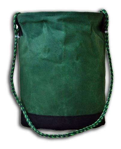01 bolsa  e 01 balde e 01 bolsa tiracolo  de lona