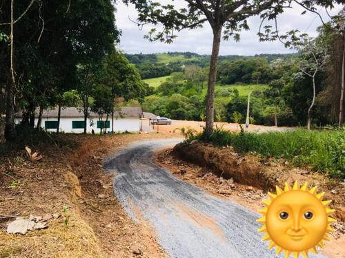 02 compre um terreno próximo ao asfalto,ótima localização