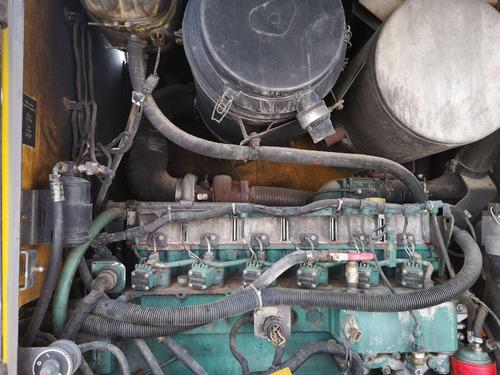 02) motoniveladora volvo g726b 2003