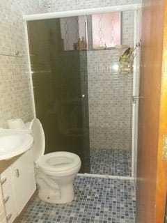 02 quartos . 01 sala . 01 banheiro e cozinha. condomínio