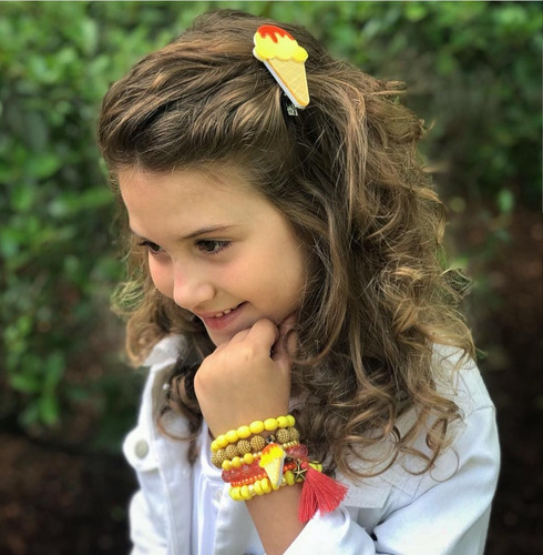 03 kit pulseira infantil + 3 presilhas luxo em acrílico