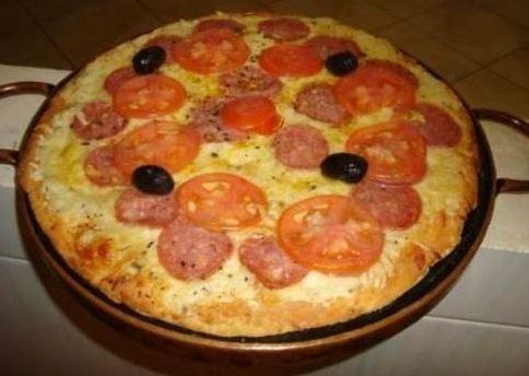 04 formas de pizza em pedra-sabão de 30 cm