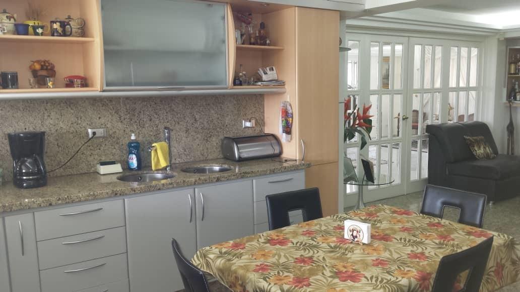 04143256451 vendo casa naranjos del cafetal