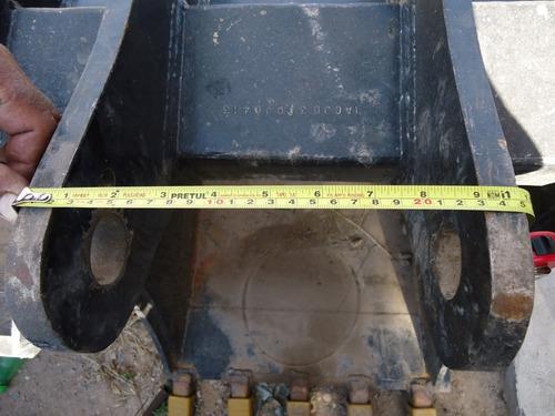 07) cucharon 60 y 30 cm retroexcavadora cat, case y j deere