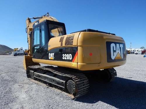 07) excavadora caterpillar 320d 2010