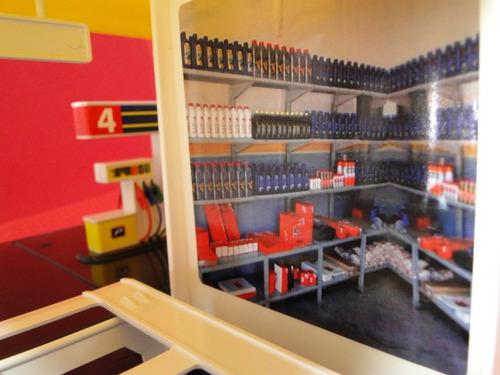 09 carrinhos + diorama posto rampa movel 12 bombas