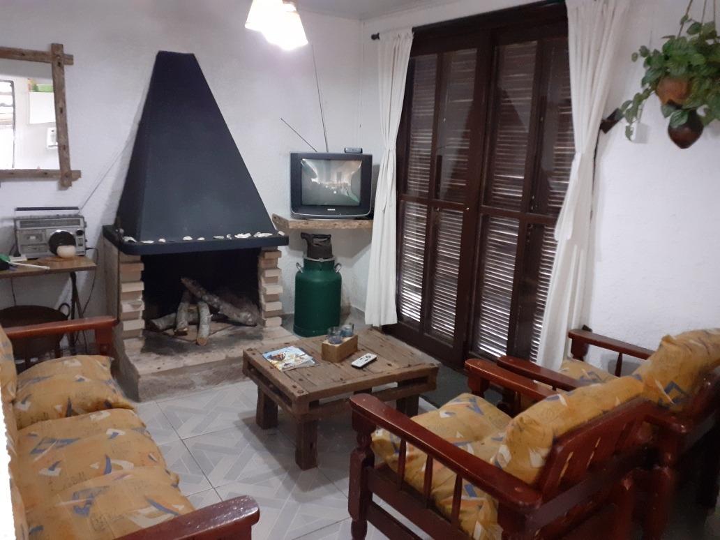 094634040 alquilo casas barra  d chuy brasilera a 3 cuadras d playa