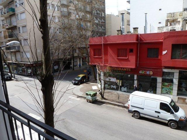 1 amb. externo c/balcon - bolivar - corrientes