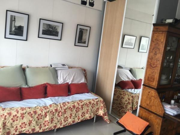 1 ambiente  con balcón y vista abierta