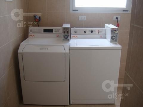 1 ambiente, gran ubicación, con laundry.