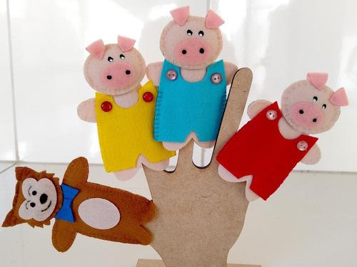 1 dedoche chapeuzinho vermelho + 1 dedoche 3 porquinhos
