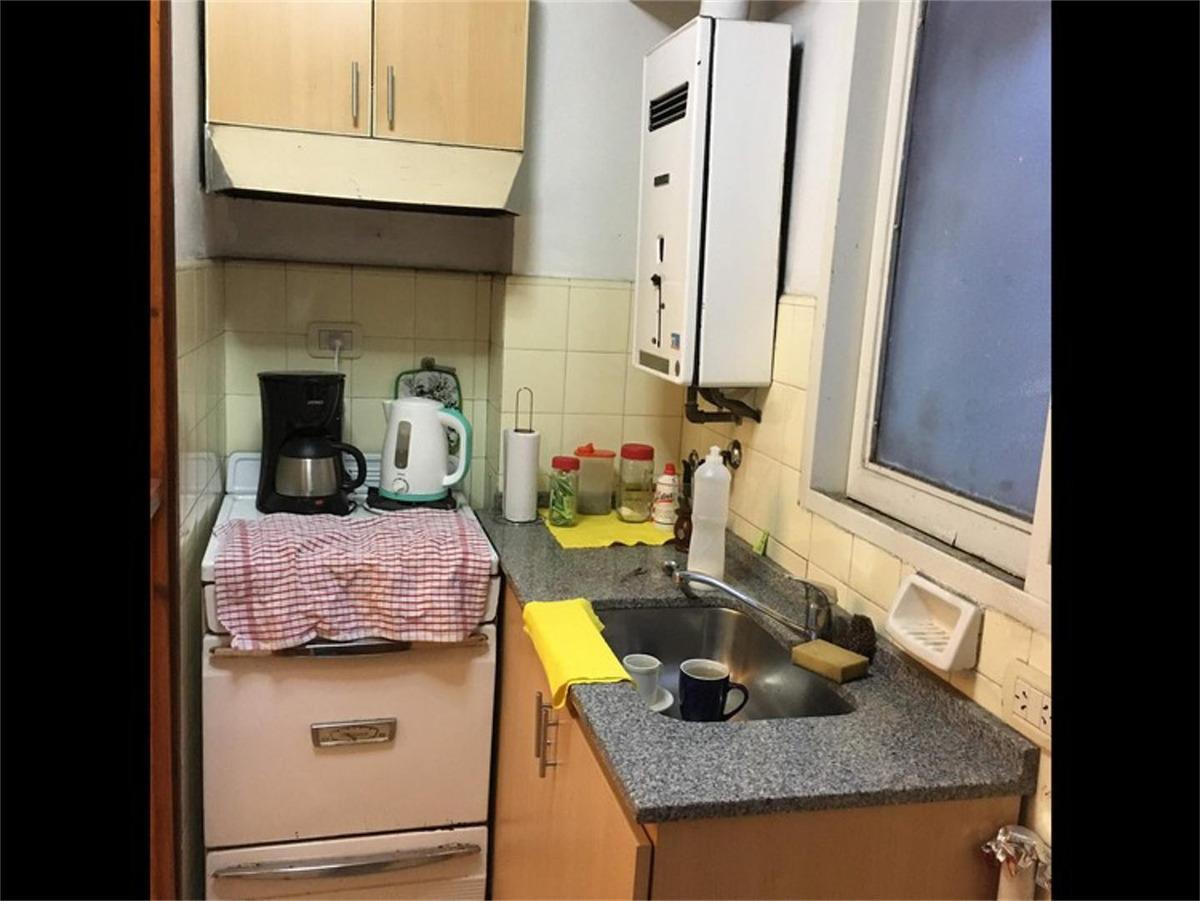 1 dormitorio 3 de febrero 875 - 1 piso. posibilidad oficina