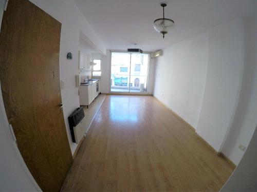 1 dormitorio a metros de bv. oroño