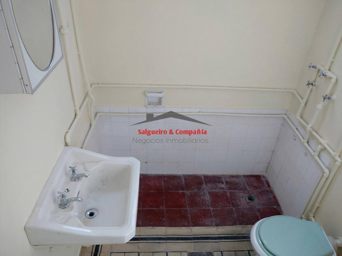 1 dormitorio en tres cruces, goes con aire acondicionado