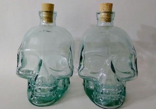 1 garrafa caveira 750ml + 1 copo 100ml caveira