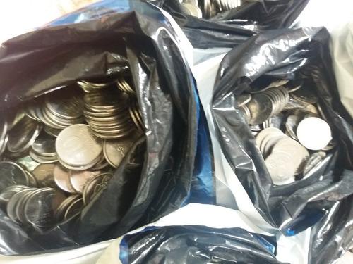 1 kg de moedas nacionais antigas de inox aleatórias