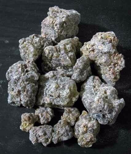 1 kilo de copal - incienso o resina que prenden en templos