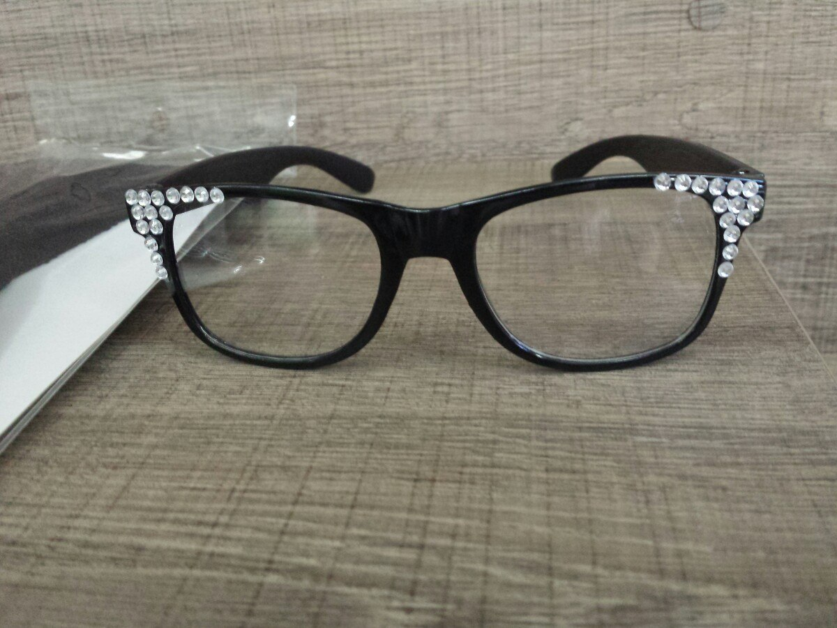 5c513939edb3c 1 óculos larissa manoela +1brinde mecha cúmplice de um resga. Carregando  zoom.