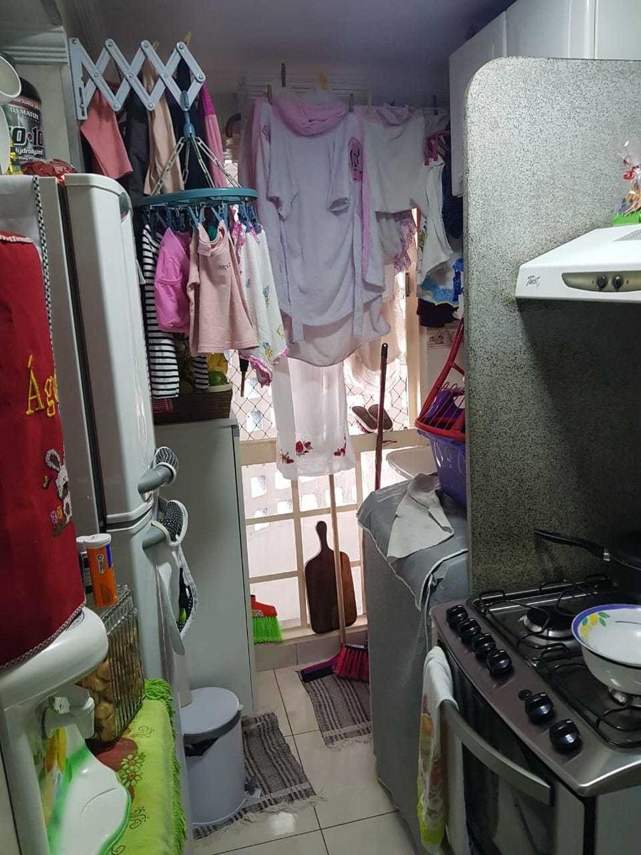 1 quanto uma sala uma cozinha e o banheiro