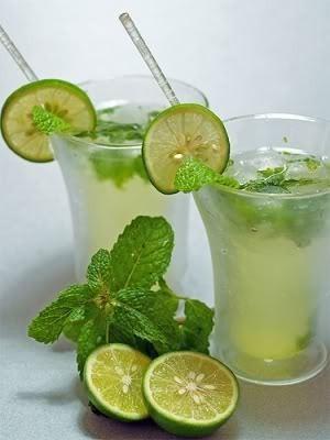 1 stevia liquida + 3 naturalitos con limón y stevia.