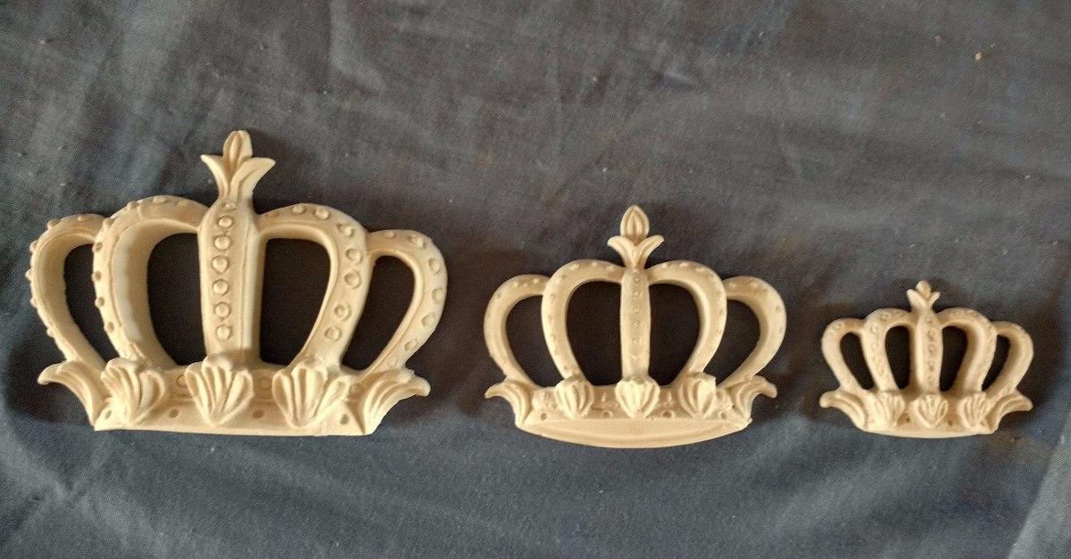 10 Apliques Coroa Vazada Média - Resina Branco - R$ 39,95 em ...